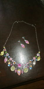 Gorgeous necklace and earings