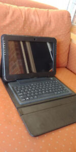 SAMSUNG TABLET WITH CASE AND KEYBOARD