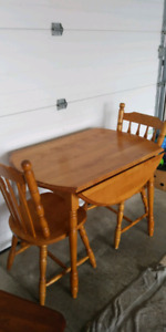 Small Wood table with 2 chairs!!