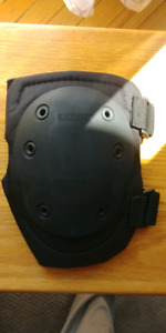Blackhawk tactical knee pads never used