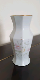 Fine Quality Procelain Vase