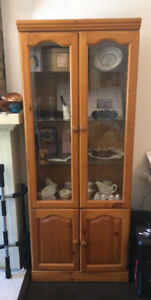 Set of 3 Display Cabinet Hutch in Great condition and Beautiful