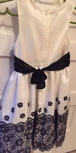 Girls Dress Size 7 Kawartha Lakes Peterborough Area image 2