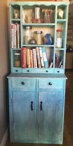 Kitchen Cabinet (Hutch)