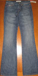 NEW WITH TAGS JOE'S JEANS FLARED JEANS, SIZE 27/34