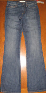 NEW WITH TAGS JOE'S JEANS FLARED JEANS, SIZE 27