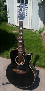Takamine - 12 String JUMBO Acoustic Electric Guitar