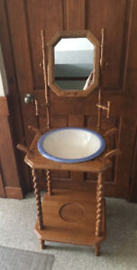 Antique wash stand and bowl excellent condition $75 Hamilton
