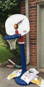 KIDS BASKETBALL NET USED OUTDOORS GREAT CONDITION