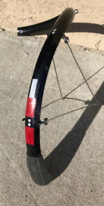 Full coverage Rear fender for touring bicycle