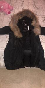Manteau D'hiver pour femme 450$ Nego encore Neuf jamais porter