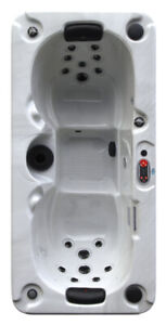 Yukon Spa Demo Model - Canadian Spa Company - Plug & Play