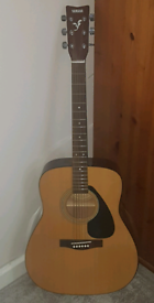 Yamaha F310 acoustic guitar Mint condition