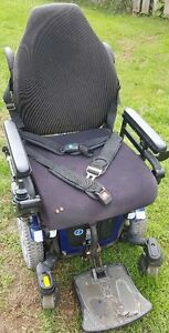 Quantum 600 Wheel Chair For Sale - Price Drop!  Save $1600.00! London Ontario image 6