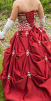 Robe de mariée ou de bal rouge - Dress bridal or ball red
