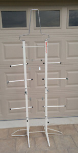 Sports equipment drying rack