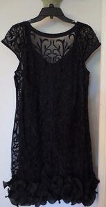 Robe noire Jessica Simpson
