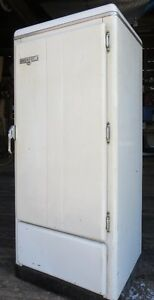 Antique Fridge - Perfect for Awesome Beer Fridge Conversion