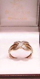 9ct Gold Diamond Crossover Ring - Please See Photos and Details