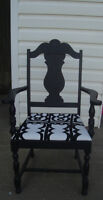 ANTIQUE BLACK ACCENT CHAIR - GREAT DETAILS -SOLID & STURDY