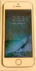 Silver IPhone 5s 16gb Rogers/ChatR with morphie juice pack