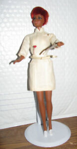 VINTAGE Barbie Doll ........ 1968  Nurse Julia