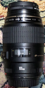Excellent condition! Canon EF 100mm Macro f2.8 USM + Hoya filter