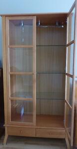 Armoire vitrée 4 tablettes et 2 tiroirs