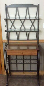 Full Size Detailed Bakers Rack - St. Thomas