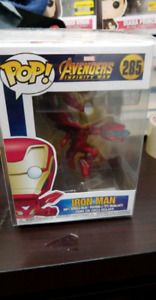 Funko Pop Avengers infinity war Iron Man mint with protector