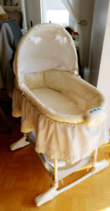 Moise pour bebe / baby cradle