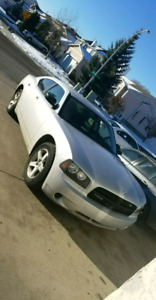 2008 Dodge Charger RT $6300 OBO (low km)