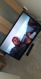 """Polaroid 32"""" smart tv"""