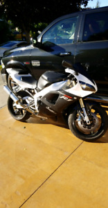 2001 Yamaha R1 Champion edition