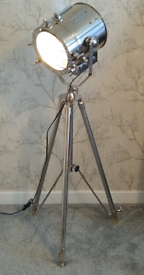 VINTAGE HOLLYWOOD STYLE STAGE NAUTICAL TRIPOD FLOOR LIGHT IN CHROME!