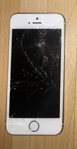 Cracked Screen White iPhone 5S 16 GB