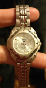 Beautiful brand new Ladies Roots watch still with tags!