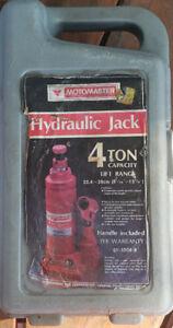 4 ton hydraulic jack $25