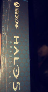 Halo 5 Limited Edition Game Unopened Cambridge Kitchener Area image 3
