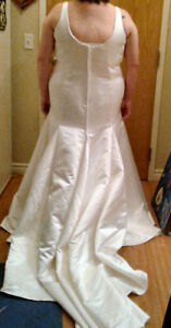 Wedding dress -- Total package for some lucky bride London Ontario image 2