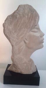 Sculpture Austin Prod Inc 1986 par FISHER