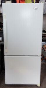 Réfrigérateur à congélateur au bas Whirlpool Gold
