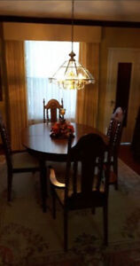 Dining hutch and table, chairs Kitchener / Waterloo Kitchener Area image 3