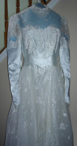 """Wedding Dress in Excellent Condition:Boxed:size 26"""" waist"""