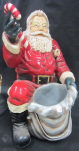 Santa Statue - Kneeling with Candy Cane (Christmas Decor)