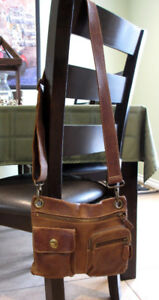 ROOTS CROSSBODY BAG FOR SALE - GREAT CONDITION !!