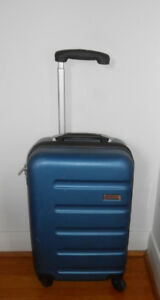 AIR CANADA BRAND 4 WHEEL CARRY-ON