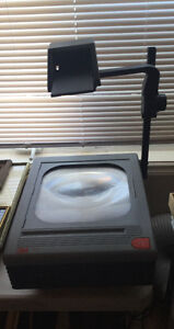 3m OVERHEAD PROJECTOR IN GOOD Working Condition. 90.00