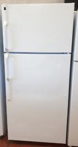 Hotpoint 17 Cubic Foot Top Mount Refrigerator Freezer