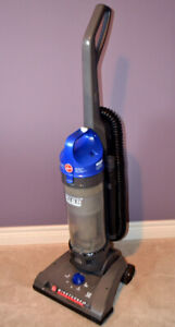 HOOVER Windtunnel 2 High Capacity Bagless Upright Vacuum Cleaner